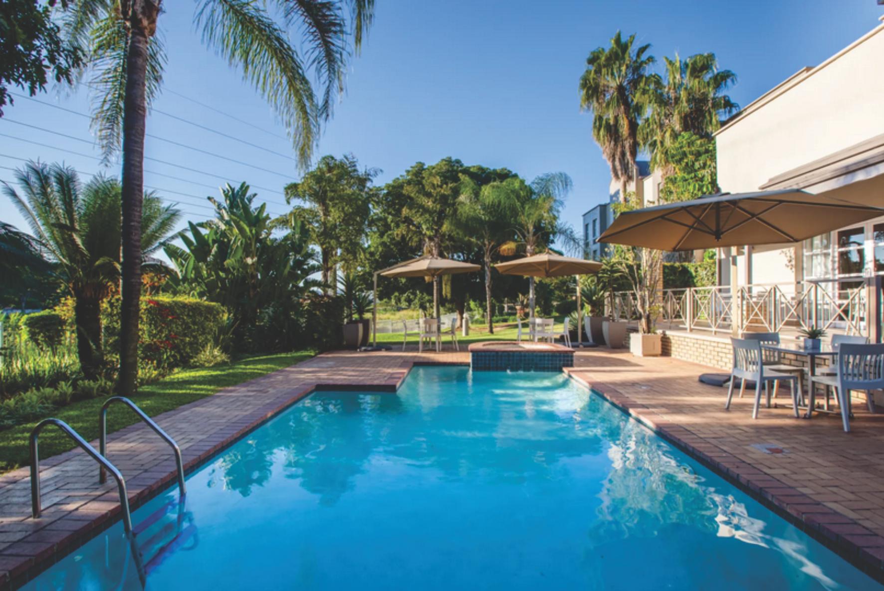 Road Lodge pool